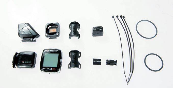 오늘 장착 시연을 해 볼 시그마 BC.16.12 STS CAD. 왼쪽부터 센서, 사이클링 컴퓨터(본체), 브래킷, 자석 센서, 고정용 케이블 타이, 고정용 밴드