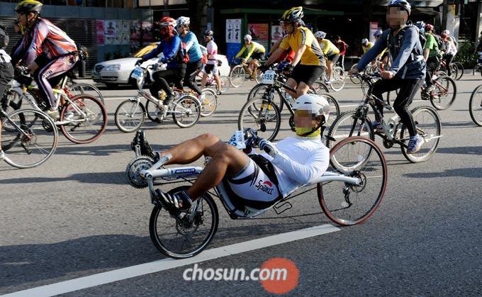 리컴번트 자전거는 인체공학적 설계로 라이딩 통증을 최소화했다.