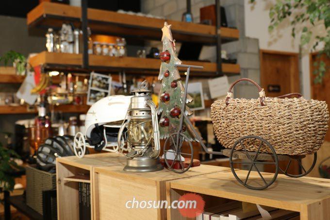 카페벨로의 아기자기한 인테리어, 편안하고 아늑한 환경은 일반 카페 분위기와 비슷하다.