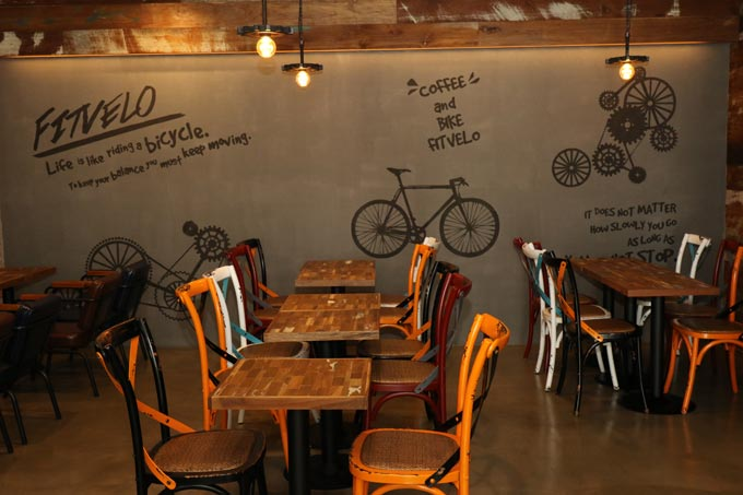 전문 피팅 서비스를 합리적인 가격에! 자전거 카페 '삐벨로'(동영상취재 임정환PD)