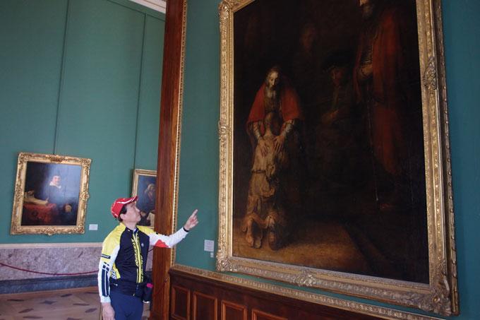 박물관의 아이콘 격인 작품. '돌아온 탕자' 신약 누가복음의 소재를 모티브로 한 1668년 렘브란트 작품
