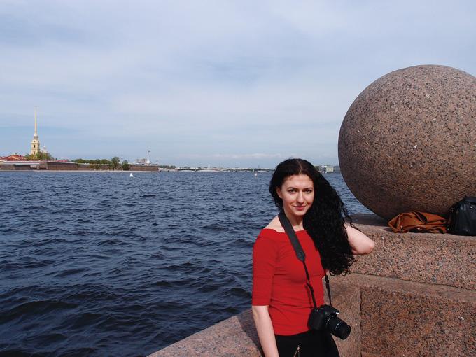 러시아의 미녀 사진가. 미녀는 의외로 외롭다! 왜냐면 사람들이 겁먹고 말을 잘 걸지 않기 때문에