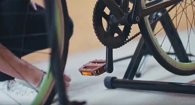 페달부터 바퀴살까지 자전거를 활용하여 만들어낸 소리는 제법 그럴듯한 리듬으로 호기심을 자극한다.