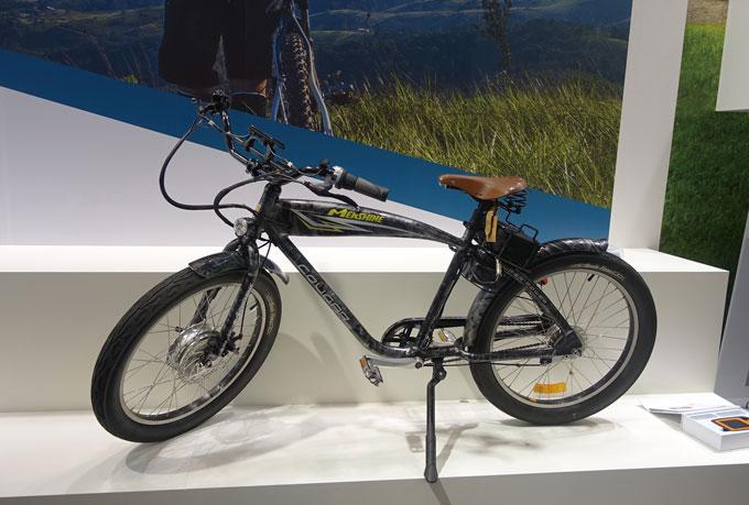 전륜 허브모터 전기자전거는 포크를 보강해서 생산한다