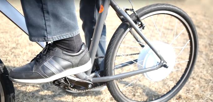 페달을 밟을 때만 힘을 보조해주는 PAS방식으로, 일반 자전거의 느낌을 살리면서 보다 편안한 주행이 가능하다.
