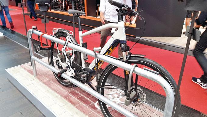 전기자전거 관련법이 없는 국내 현실처럼 단단히 묶여진 전기자전거