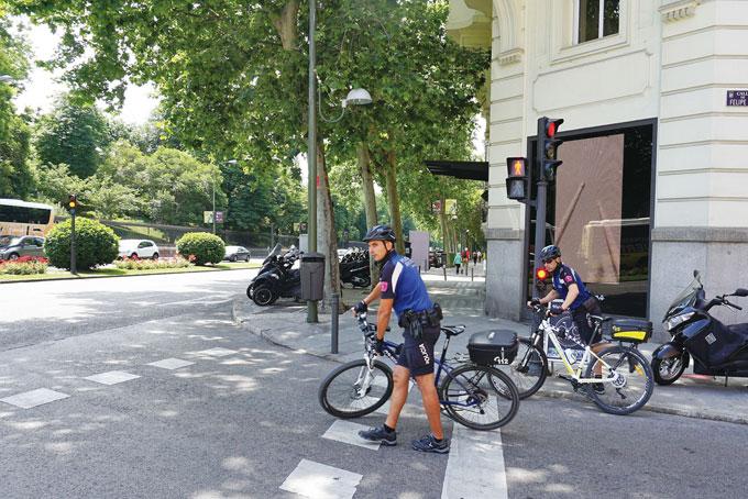 마드리드의 자전거 교통경찰