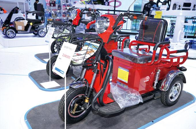 이륜과 삼륜 전기 오토바이도 갖추고 있다. 사진은 대풍자동차의 프리티 1