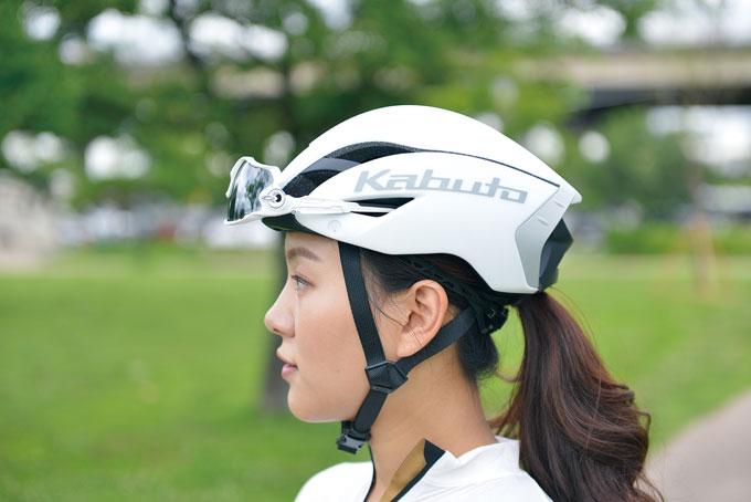 공기역학적 성능을 극대화시킨 에어로 헬멧