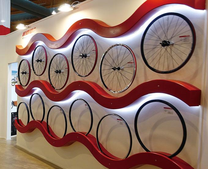 휠세트의 무게와 구름성은 자전거의 주행성능에서 매우 중요하다.