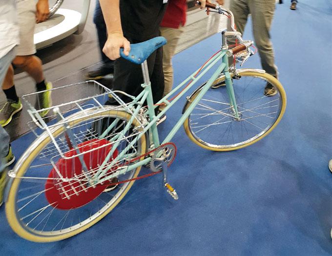 올인원 방식의 코펜하겐휠은 모든 시스템이 휠 속에 있어서 무겁다.