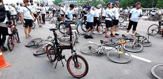서울자전거 대행진에 1 참여한 필자의 자전거 유바이크 22
